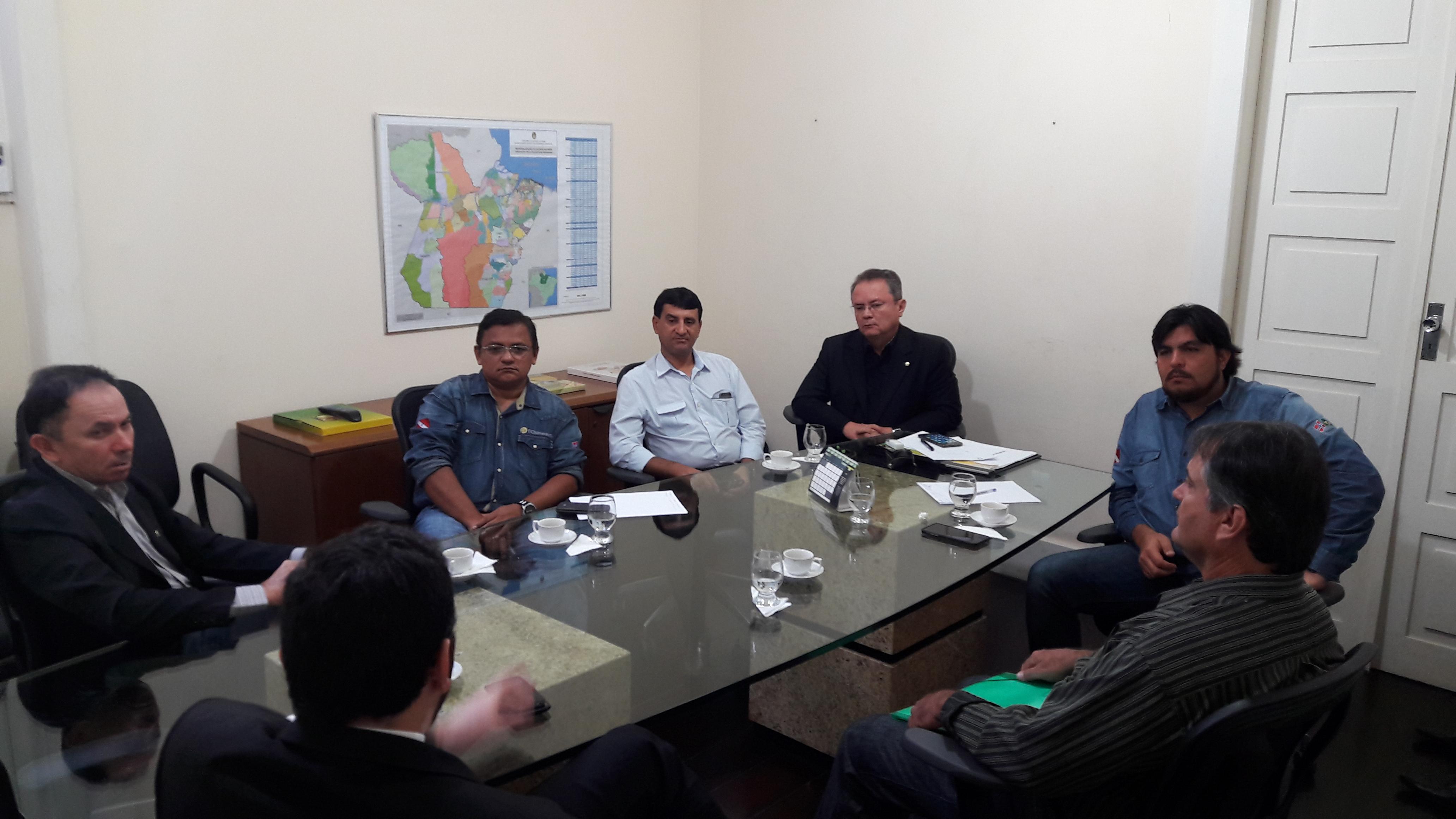 COOMIGASP EM Reunião na vice governadoria.